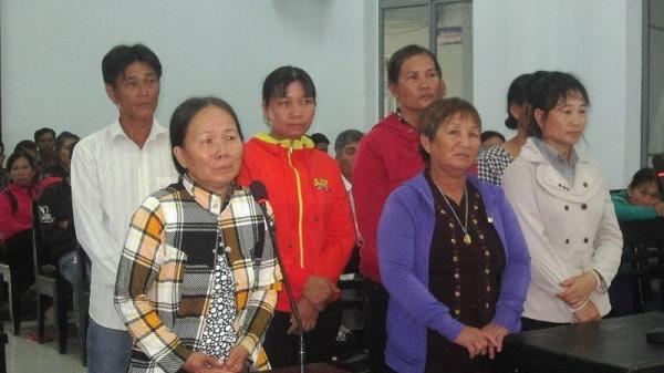 Khánh Hòa: Cả nhóm đi tù vì xịt phân, nước tiểu vào công an