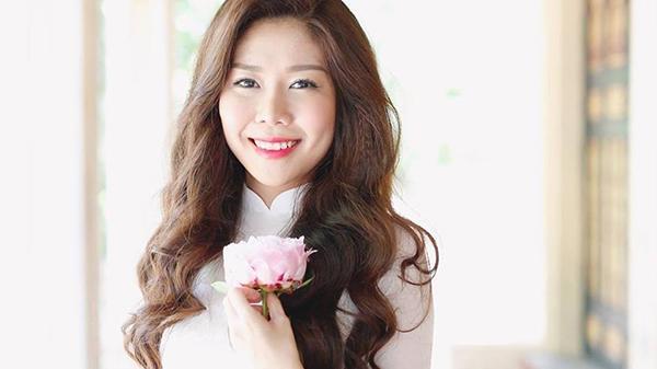 Tuệ Nghi: Nữ doanh nhân 9X gốc Khánh Hòa khiến giới trẻ phát cuồng vì xinh, giàu, giỏi