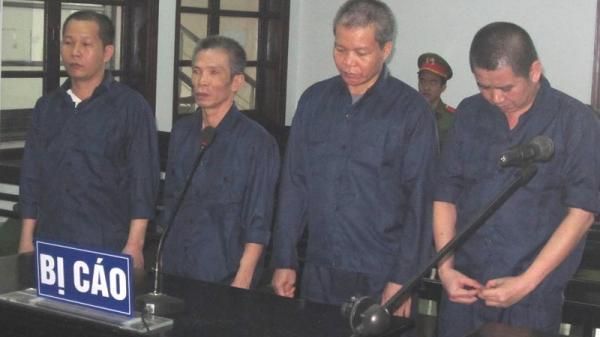 """Nha Trang: Nhóm """"đá xế"""" chuyên nghiệp lãnh án"""