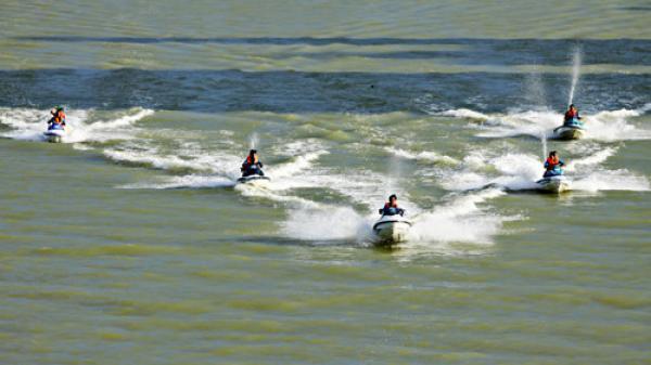 Mô tô nước đâm nhau trên biển Đà Nẵng, nam thanh niên tử vong