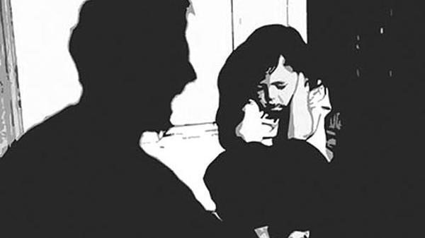 Khánh Hòa: Cha đồi bại xâm hại con gái bị vợ bắt quả tang lãnh án