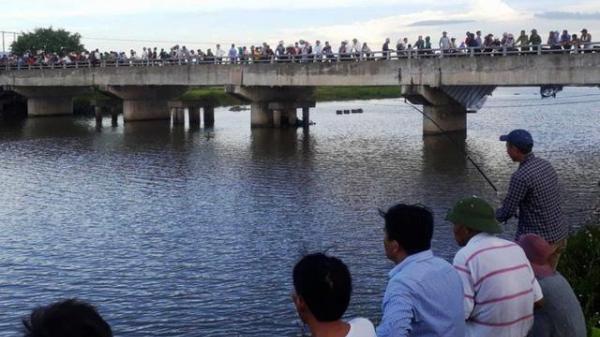 Thái Bình: Tìm kiếm thi thể người phụ nữ gieo mình xuống dòng sông Trà Lý