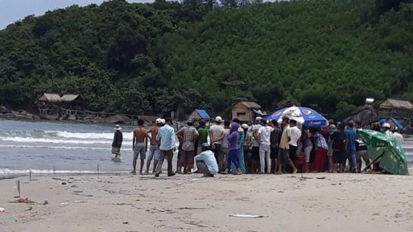Xót xa: 5 học sinh bị sóng biển cuốn khi dự sinh nhật thầy dạy võ