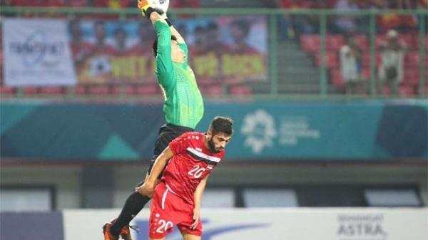 Thủ môn Bùi Tiến Dũng thiết lập một kỷ lục chưa từng có cho bóng đá Việt Nam