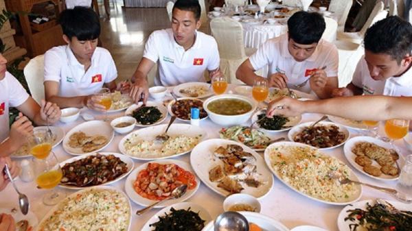 Ngài Park tiết lộ bữa ăn của cầu thủ U23 Việt Nam trên báo nước ngoài