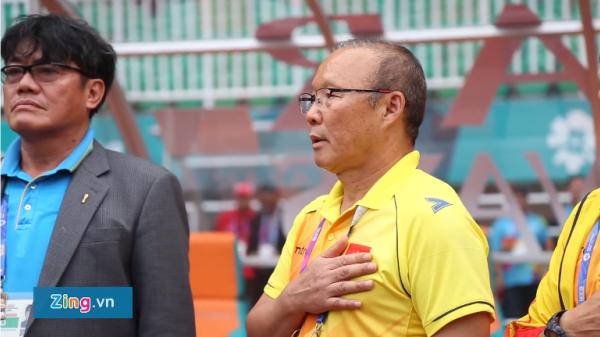HLV Park Hang Seo có phản ứng bất ngờ khi quốc ca Hàn Quốc vang lên