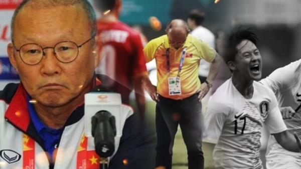 """""""Cả đất nước Hàn Quốc vui mừng trong chiến thắng, chỉ duy nhất một người Hàn cúi đầu với nỗi buồn"""""""