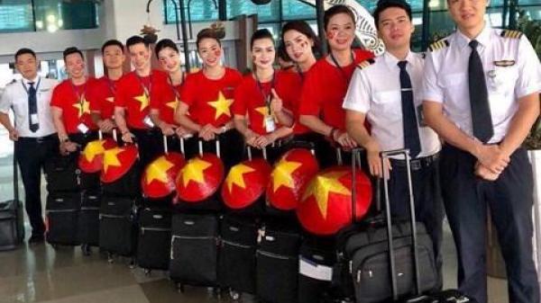 CHÍNH THỨC: Vừa về đến Hà Nội, U23 Việt Nam lên xe kín về thẳng khách sạn không diễu hành, nghỉ ngơi thôi ai cũng mệt rồi