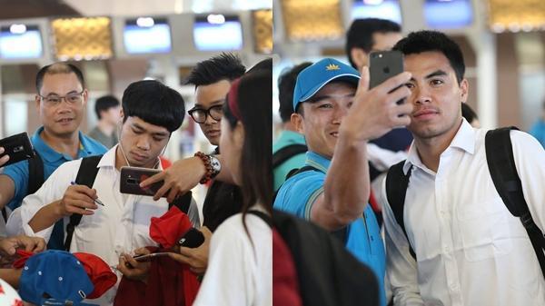 Công Phượng, Văn Quyết ký mỏi tay trước khi rời Indonesia