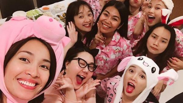 Nhã Phương tổ chức tiệc độc thân hường phấn với hội bạn thân trước ngày cưới