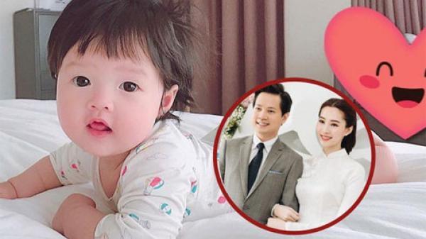 Hot: Lần đầu lộ ảnh cận mặt tiểu công chúa cực đáng yêu của Hoa hậu Đặng Thu Thảo