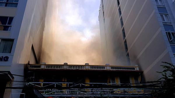 Cháy nhà hàng ở phố Tây Nha Trang, thực khách bỏ chạy tán loạn