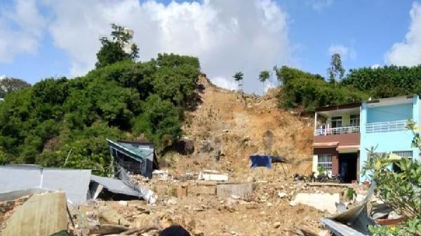 Nha Trang: Chủ dự án gây sạt lở 'đổi ý' đề nghị tỉnh lo đất ở cho nạn nhân