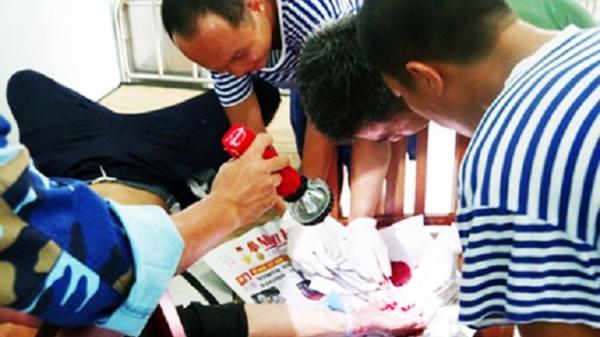Bệnh xá đảo Sơn Ca: Cấp cứu ngư dân gặp nạn trên biển