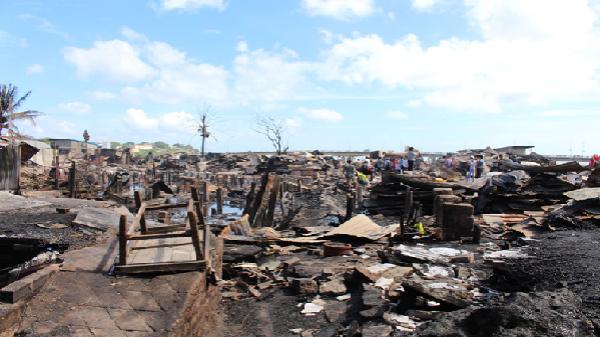 Gia đình ven sông bị hỏa hoạn từ chối tái định cư
