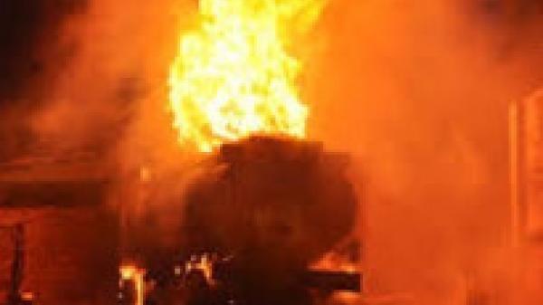 Khánh Hòa: Gã xe ôm một đêm châm lửa đốt 2 cây xăng