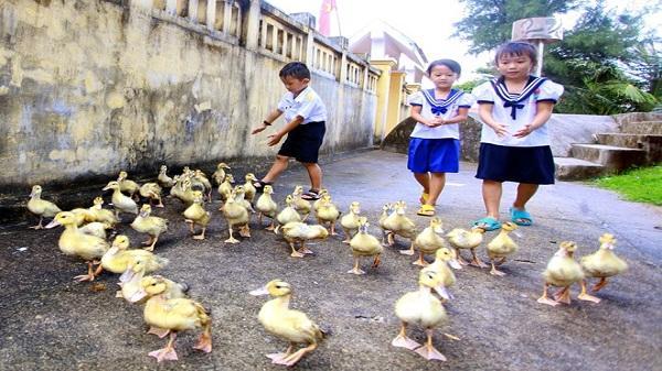 Khoảng trời vui của những đứa trẻ Trường Sa