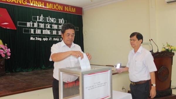 Quyên góp ủng hộ các tỉnh miền Trung bị ảnh hưởng do bão lụt