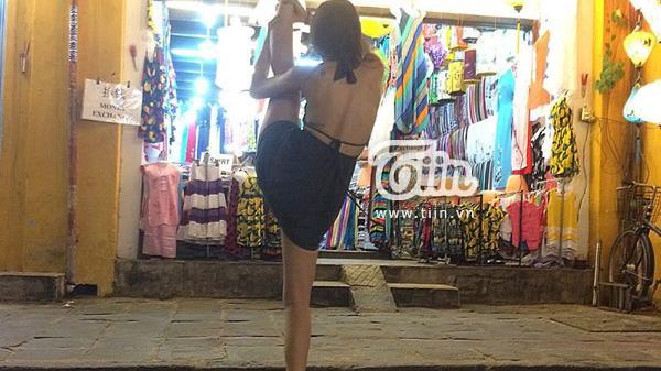 Selfie giờ phải 'Xoạc Everywhere' như 9x Nha Trang xinh đẹp này mới hút bão like