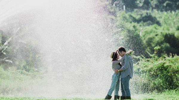 Chỉ cần yêu nhau thì ảnh cưới ở vườn rau Nha Trang cũng đẹp rụng rời khiến người khác ghen tị