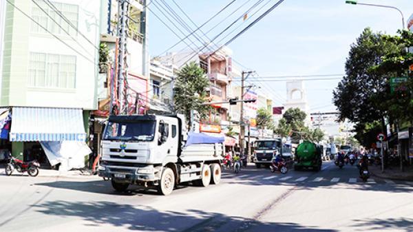 Tăng giờ cấm, giảm tốc độ đối với xe tải, xe khách vào nội thành Nha Trang