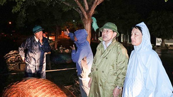 Lãnh đạo tỉnh Khánh Hòa kiểm tra công tác phòng chống lụt bão trong đêm tại huyện Vạn Ninh