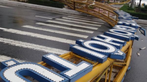 Trụ sở Cục Hải quan Khánh Hòa bị cô lập vì bão số 12