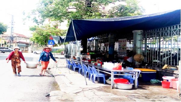 TP. Nha Trang: Dành một phần vỉa hè để người dân buôn bán