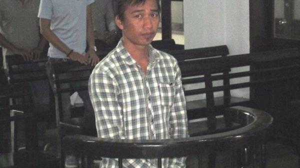 Khánh Hòa: Đi tù vì đốt nhà, đánh vợ cũ
