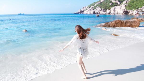 Phơi nắng gió hè trên cung đường ven biển tới đảo Bình Ba
