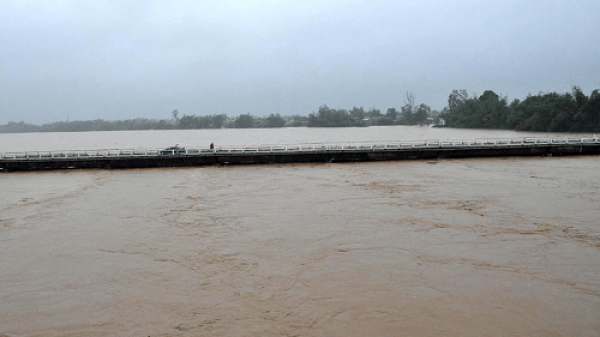 Lũ trên các sông từ Quảng Ngãi đến Khánh Hòa đang lên