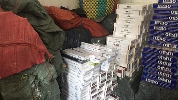 Kiên Giang: Thu giữ 1.750 gói thuốc lá lậu vô chủ
