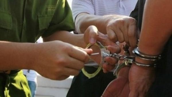 Kiên Giang : Bắt người đàn ông Campuchia lén mang bao tiền qua biên giới