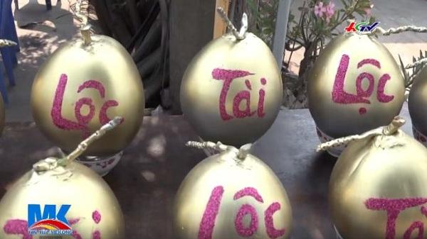 Cận cảnh loại dừa tạo hình thư pháp trưng tết độc, lạ đang gây sốt ở miền Tây