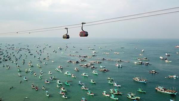 760 du khách vui chơi tại Sun World Hon Thom Nature Park ở Phú Quốc - Kiên Giang đã trúng quà giá trị lớn