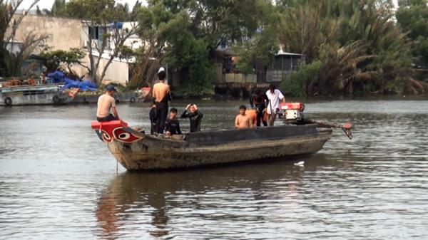 Rủ nhau bơi qua sông hái bần, 1 nam thanh niên miền Tây mất tích