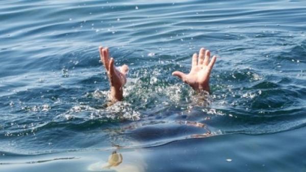 Miền Tây: Cha dạy con bơi rồi cả 2 c hết đuối, nhà nghèo không đủ tiền mua q uan tài