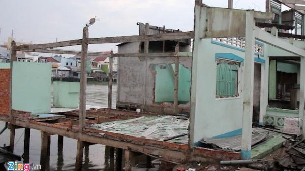 Miền Tây: Người phụ nữ cứu hàng chục cư dân trong vụ 5 căn nhà chìm xuống sông