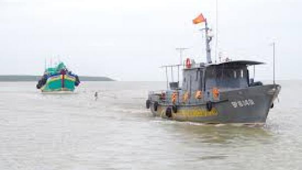Kiên Giang: Cứu 14 ngư dân gặp nạn gần quần đảo Hải Tặc