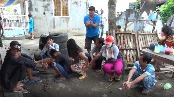 Kiên Giang: Triệt xóa ổ nhóm đánh bạc trong ngôi nhà hoang