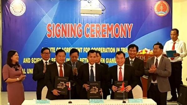 Trường đại học Kiên Giang ký hợp tác với hai trường đại học của Campuchia