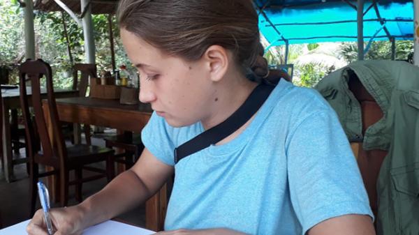 Cô gái Nga ẩu đả với chủ nhà nghỉ ở Phú Quốc