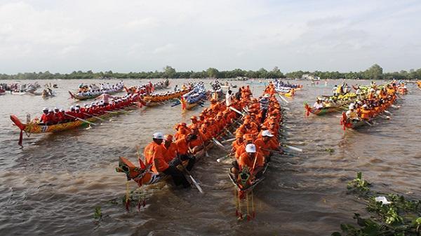 Bàn kế hoạch tổ chức Ngày hội Văn hóa, Thể thao và Du lịch đồng bào Khmer tỉnh Kiên Giang lần thứ XI, năm 2017