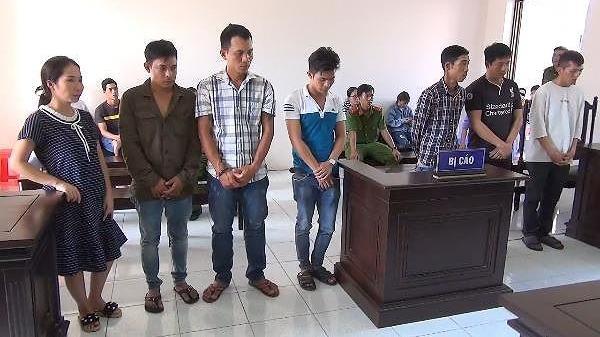 Kiên Giang: Kinh doanh thân x ác phụ nữ, 7 bị cáo lãnh án t ù
