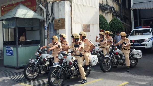 Nhiều tài xế bị CSGT TP.HCM xử phạt trong ngày đầu ra quân tổng kiểm tra