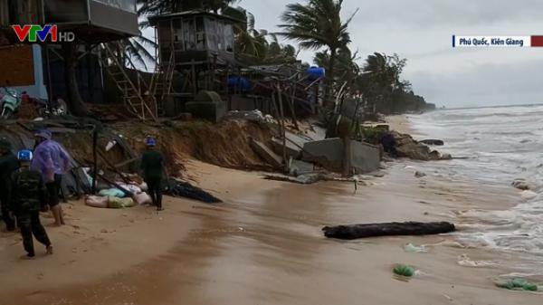 Kiên Giang: Sóng biển cuốn trôi nhiều ngôi nhà, nhiều nhà đang bị đ e dọ a