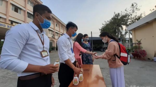 Ngày đầu đi học lại ở Kiên Giang: Học sinh vắng nhiều