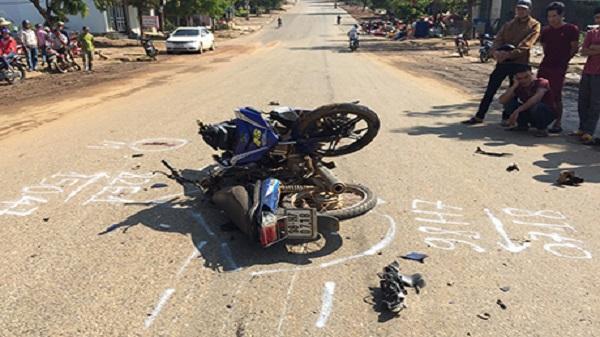 Huyện Ngọc Hồi: Xe máy tông nhau, 2 người bị thương nặng