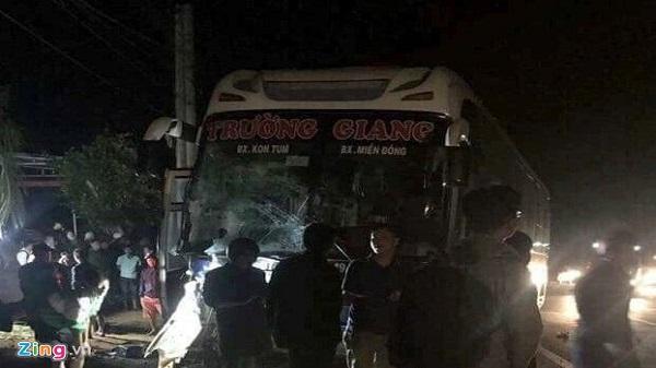 Xe cấp cứu tông liên hoàn, bệnh nhân và 2 người thiệt mạng ở Tây Nguyên