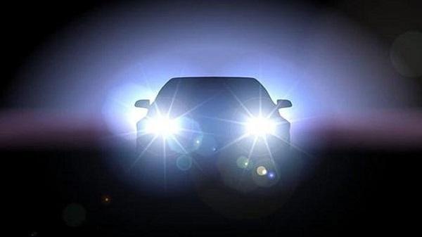 Kon Tum: Tác hại lớn từ việc bật đèn pha thiếu ý thức khi tham gia giao thông